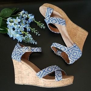 💙 Toms Embroidered Canvas Wedge Sandals 💙